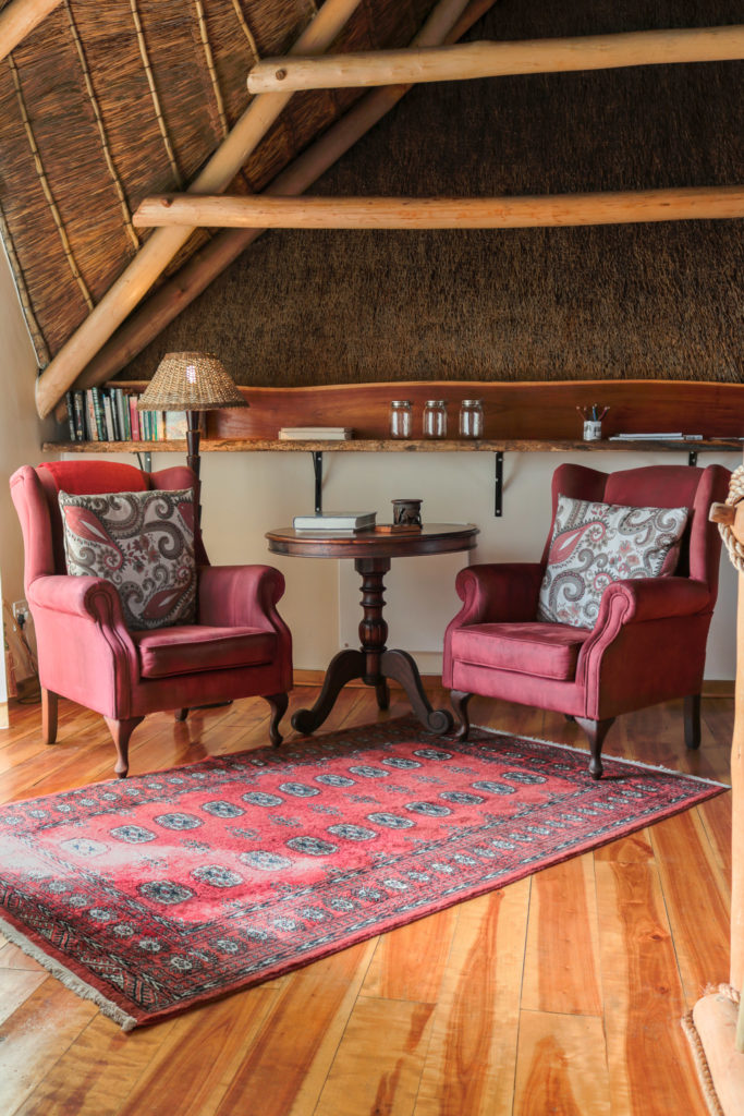 Wingbacks with exposed thatch
